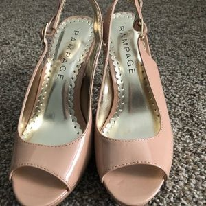 Women's heels size 6, nude color with straps